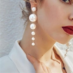Elegant long earrings with pearls