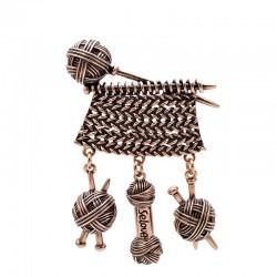 Weaving ball / yarn - vintage brooch